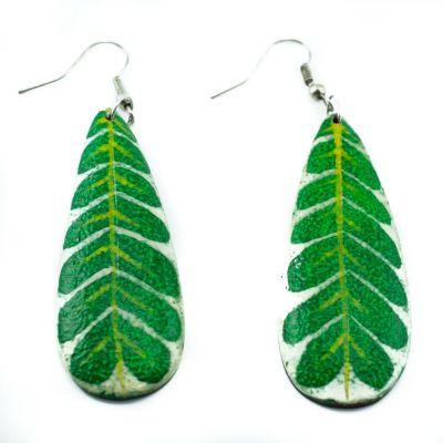 Bemalte Holzohrringe Green leaves
