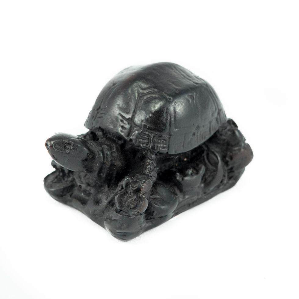 Harzfigur Kleine Schildkröte mit einer Basis