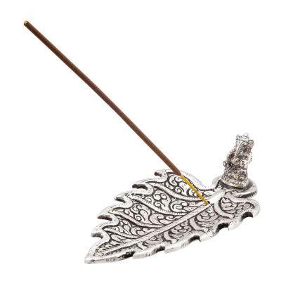 Räucherstäbchenhalter Ganesha auf einem Blatt