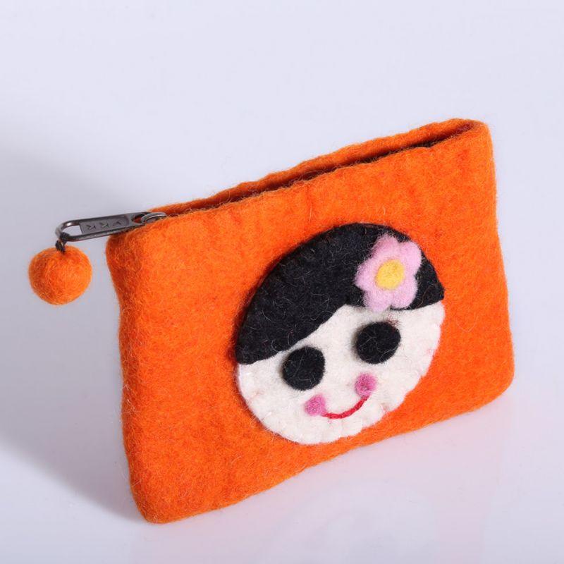 Kleine Filztasche mit einem Mädchenmotiv Orange