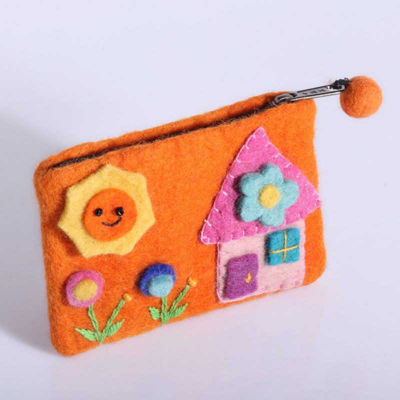 Kleine Filztasche mit einem Hausmotiv Orange