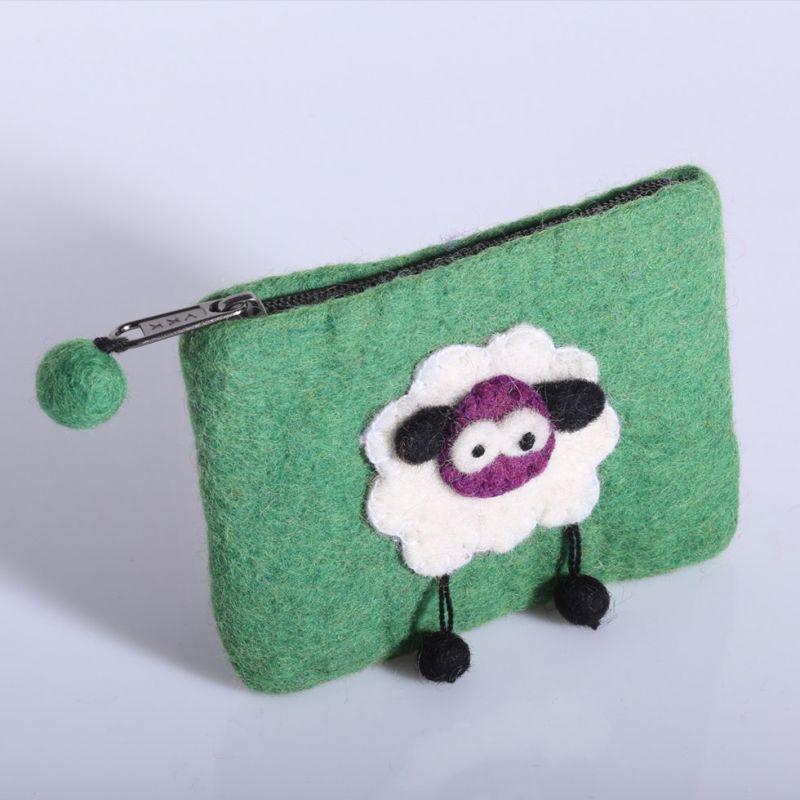 Kleine Filztasche mit einem Schaf